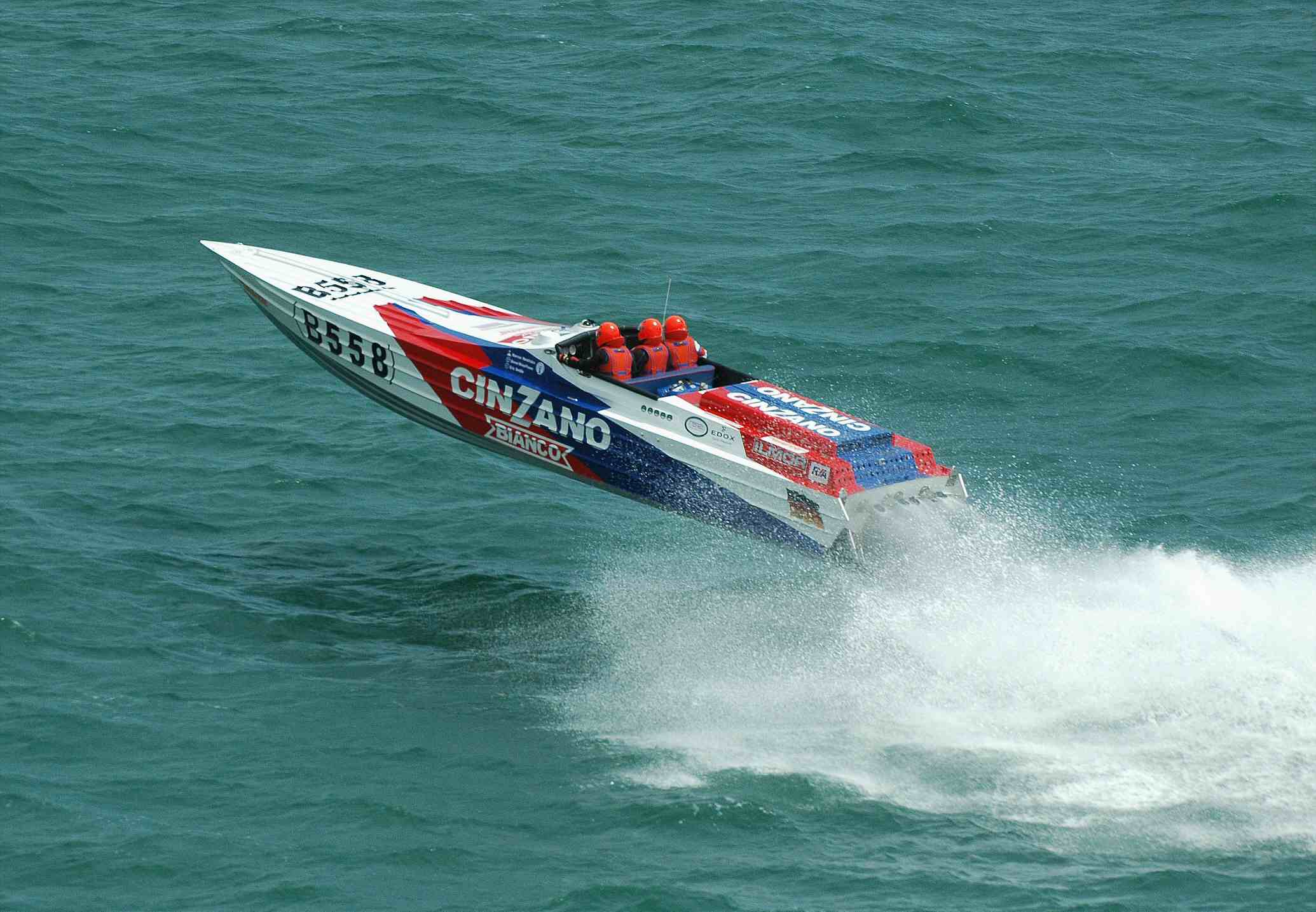 offshore powerboat racing videos